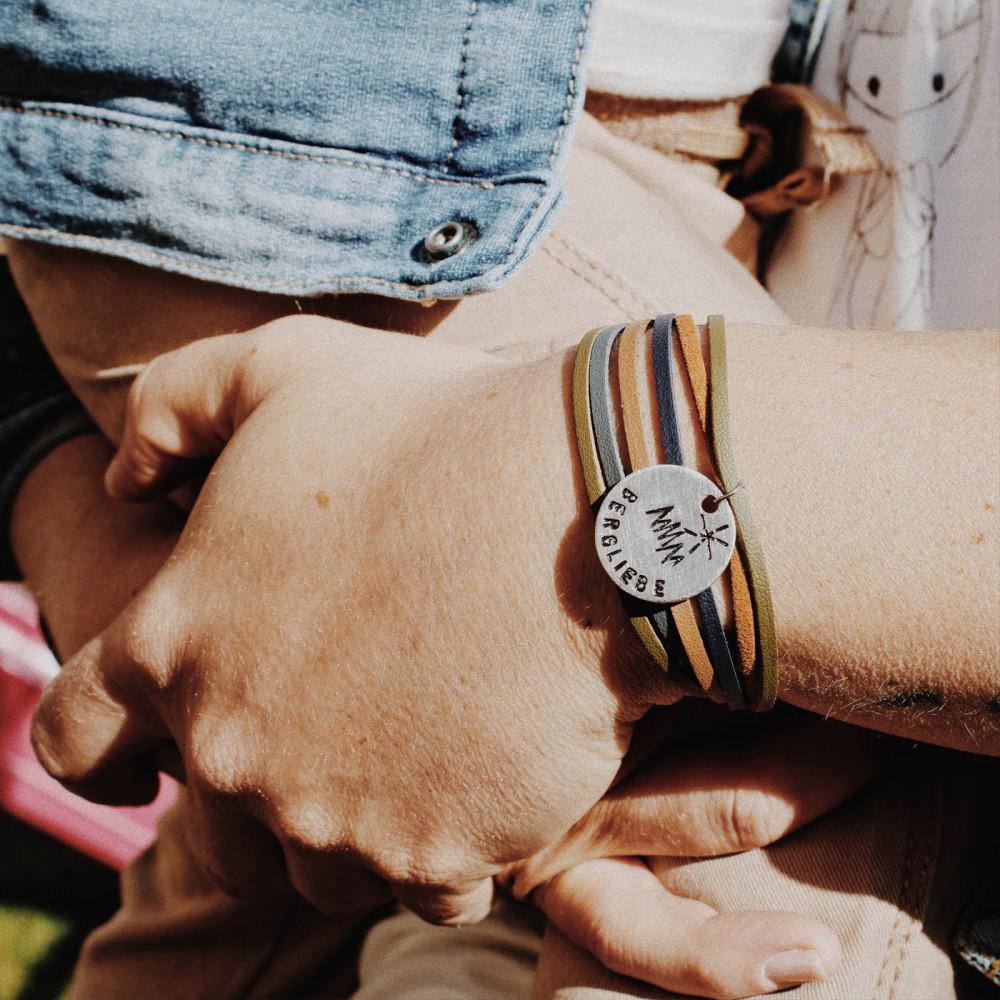 "kOmMa5 bracelet ""Bergliebe-e"""