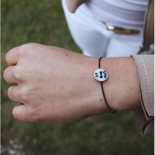 "kOmMa5 Armband ""JUST BE."""