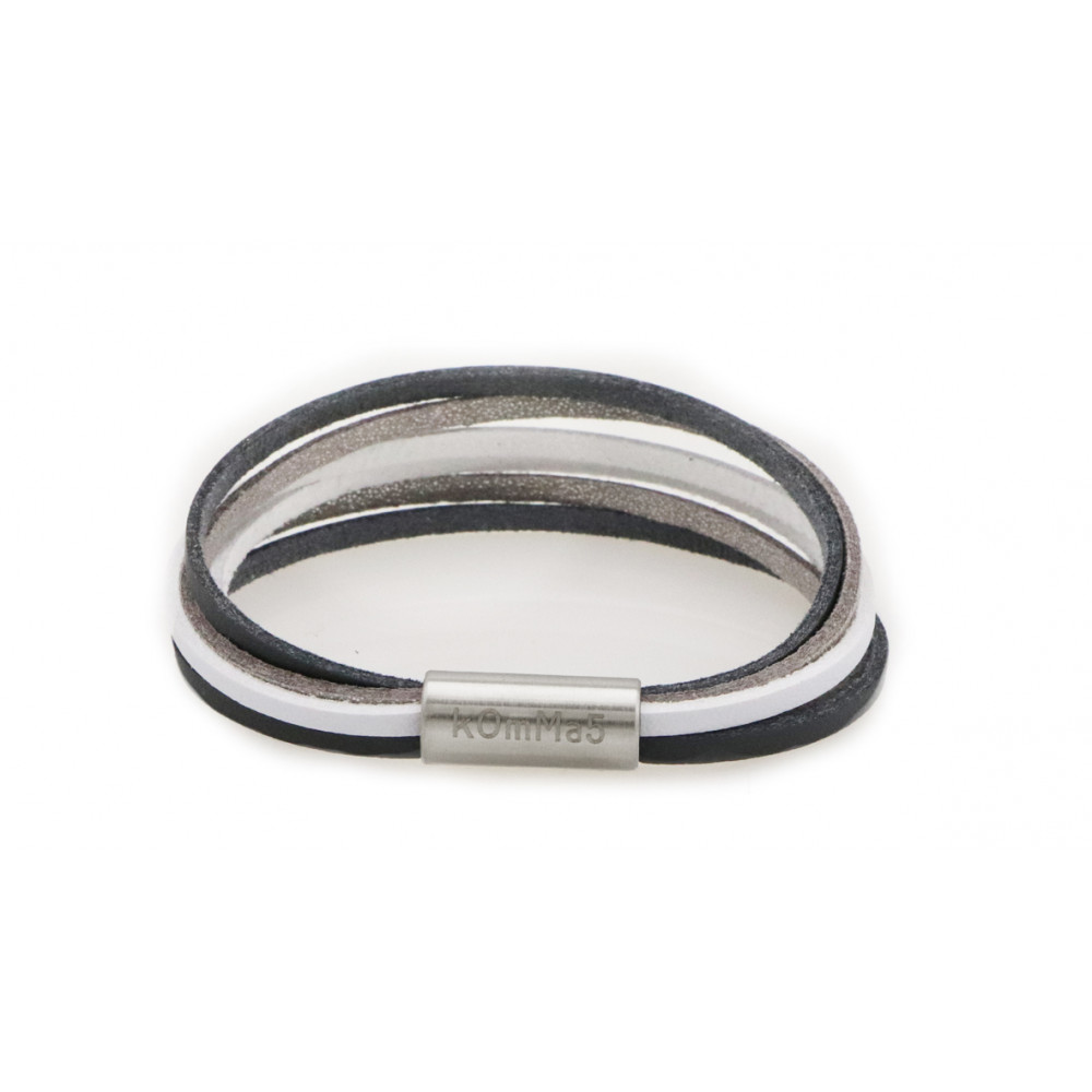 """kOmMa5 bracelet """"Gisella-e"""""""