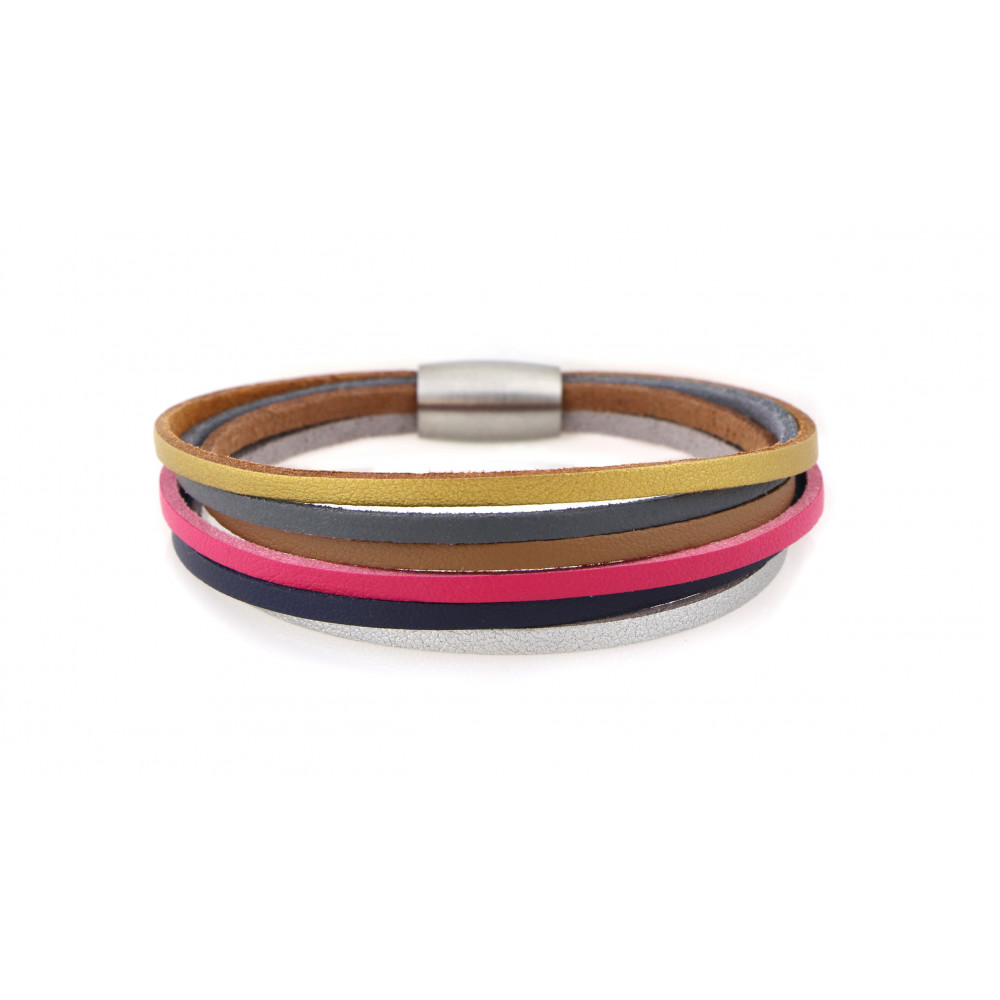 "kOmMa5 bracelet ""Heidi-e"""
