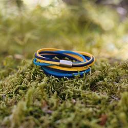 gelb und blau. 🟨🟦 perfekte kombi.⠀ .⠀ .⠀ #wemadeyourbracelet #fairproduced #madeinsüdirol #naturns #komma5 #gelb #hellblau #fabe #bunt