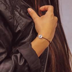 just be - einfach sein ✨ . diesen spruch und noch viele andere prägen wir von hand in unsere  plaketten, ringe und anhänger 🔨 . gibt es ein schönes wort oder vielleicht einen spruch, den du dir für unsere nächste kollektion wünschst? . wir freuen uns auf inspirationen und ideen 🥰 . #bracelet #armband #bracciale #wemadeyourbracelet #handmadebracelet #handmade #madewithlove #fairproduced #germandesignaward2018 #naturns #südtirol #southtyrol #madeinsüdtirol #madeinitaly #colorful #colors #favoritebracelet #accessoires #jewelry #fashionjewelry #startupsüdtirol #foryou #geschenksidee #justbe #einfachsein #südtirolstartup