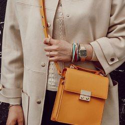 details ♥⠀ .⠀ .⠀ #wemadeyourbracelet #fairproduced #madeinsüdirol #naturns #komma5 #details #colorful