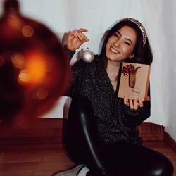 genießt die zeit mit euren liebsten ⭐❤⠀ .⠀ .⠀ #wemadeyourbracelet #fairproduced #madeinsüdirol #naturns #komma5 #weihnachten #christmas #weihnachtszauber